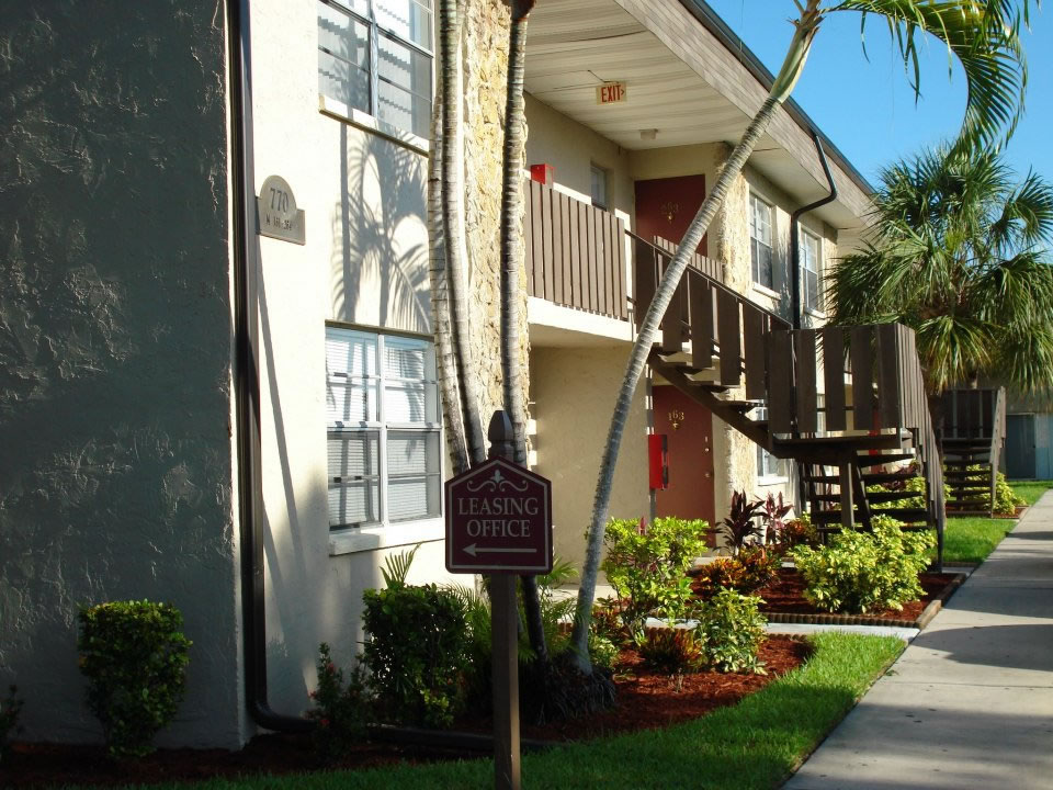 Affordable apartments in ft myers fl country view - Garden park apartments greenville tx ...
